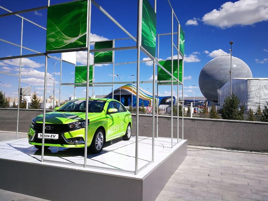 Промсвязьбанк профинансировал поставки автомобилей из РФ наказахстанский рынок