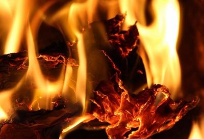 burn-3133231_1280