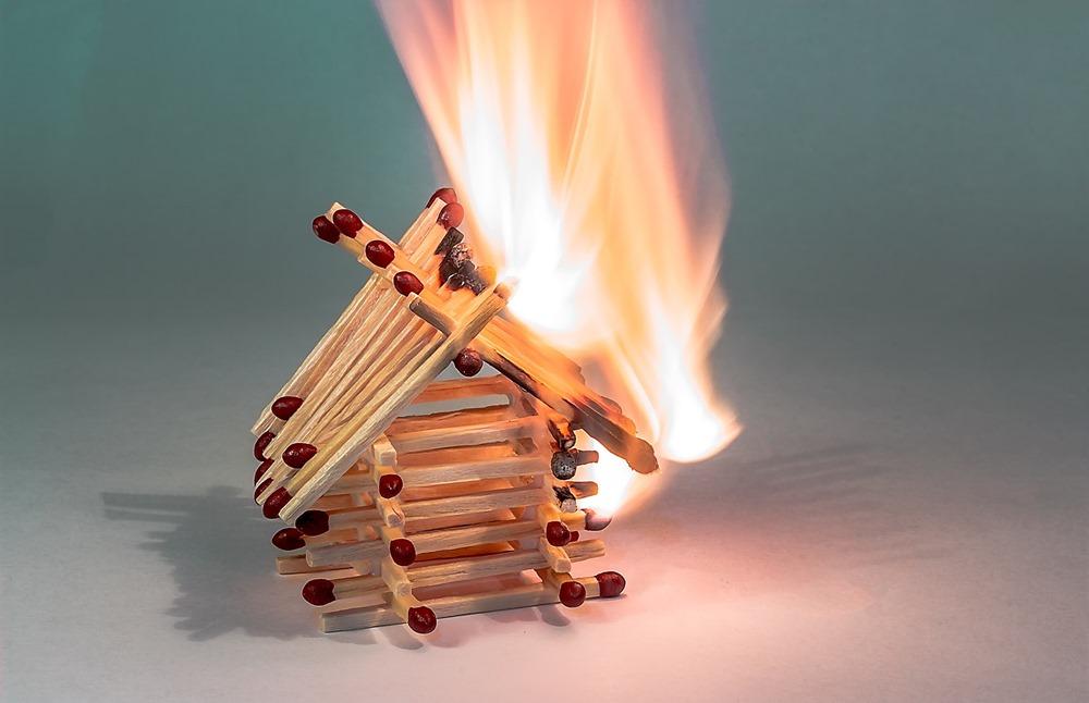 fire-2086370_1920