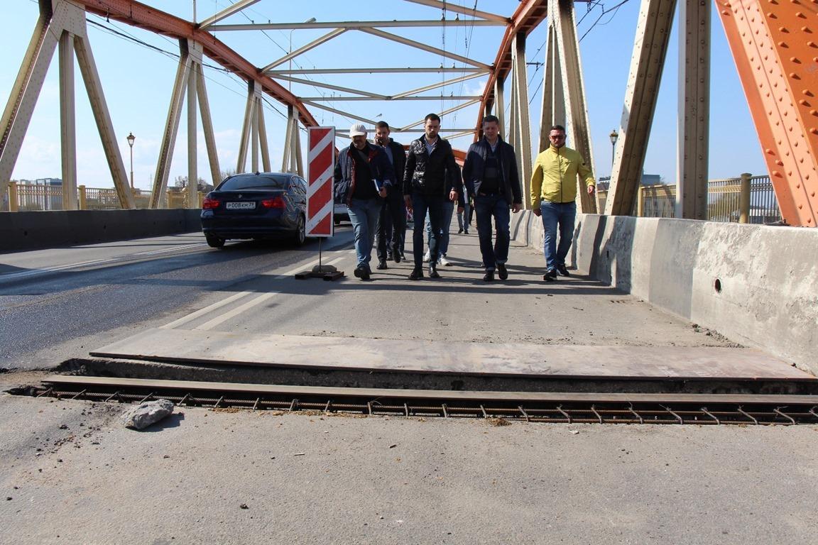 На путепроводе на Киевской улице в Калининграде уберут колейность