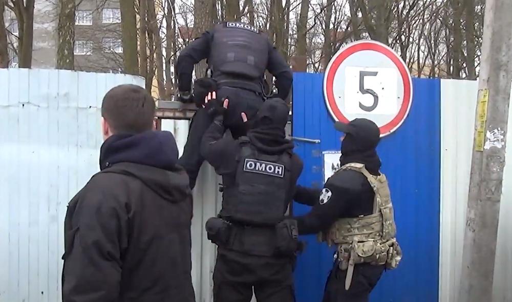 Полиция прошерстила стройки и рынки в поисках нелегалов