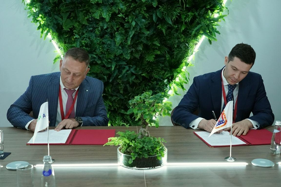 Губернатор Калининградской области Антон Алиханов и генеральный директор Сбер А Николай Андреев