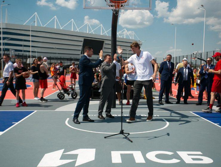 ПСБ открыл в Калининграде крупнейший в России центр уличного баскетбола